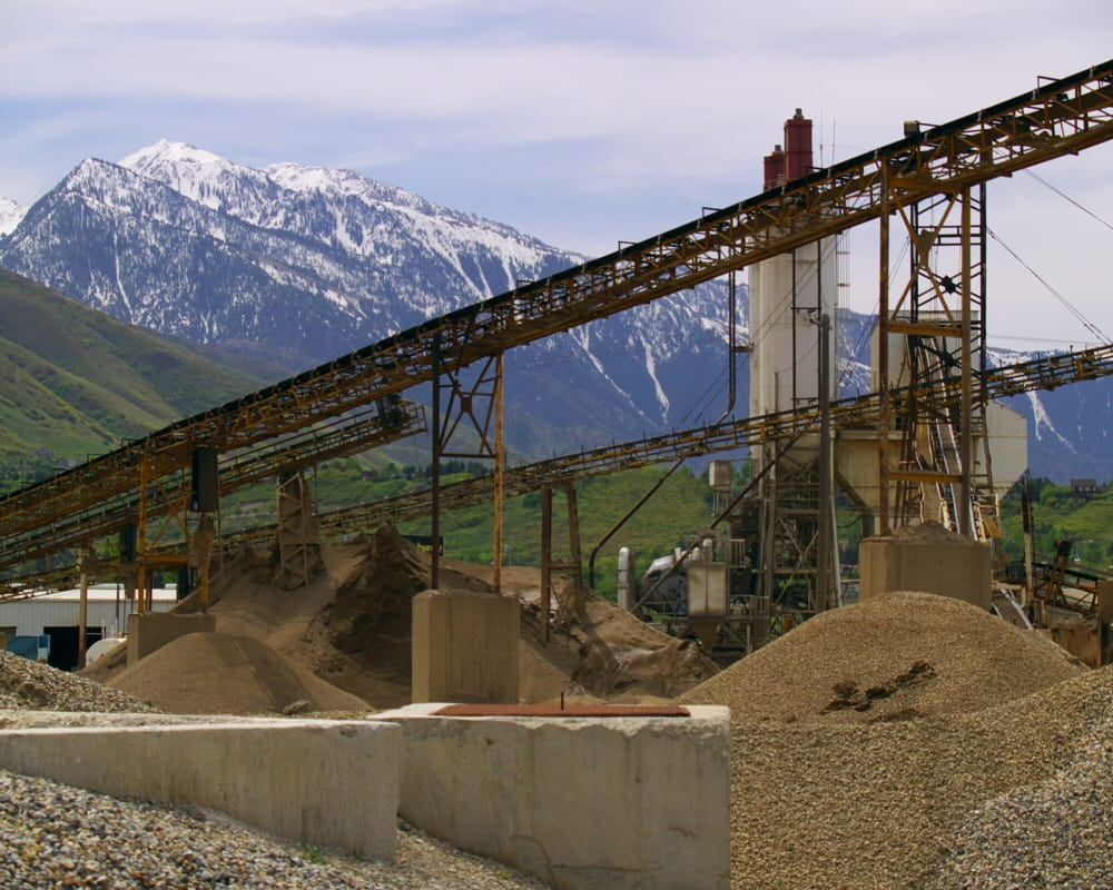 Gravel conveyor system