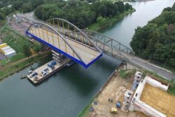 Moving the New Bridge Parallel to the Existing Bridge (© grbv)