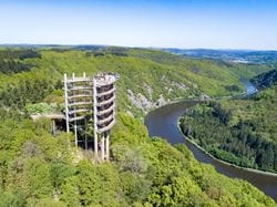 Look-out tower with a view to Saar Bow valley (© Erlebnis Akademie AG)