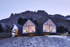 Panoramic Windows of Oberholz Alpine Hut (© LignoAlp)