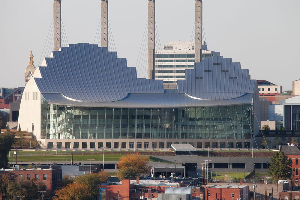 Full view of Kauffman Center for the Performing Arts (©www.novumstructures.com)