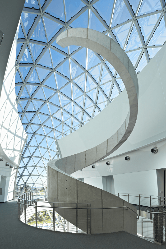 Interior view with spiral wall as staircase (© Novum Structures)